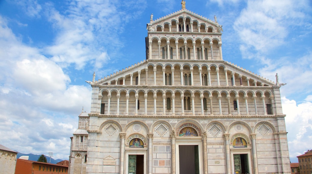 Pisa featuring heritage elements, a church or cathedral and heritage architecture