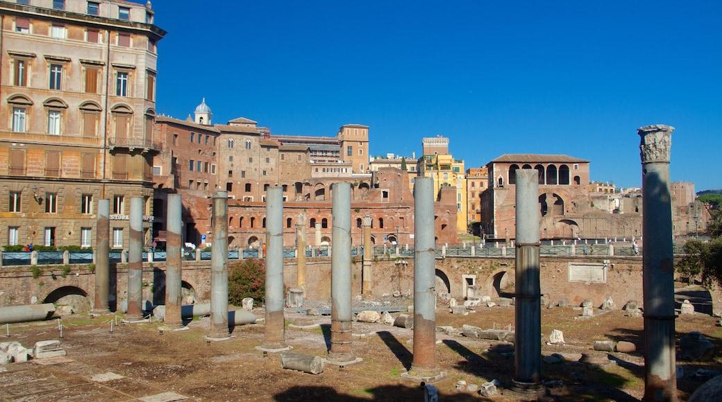Trajanuksen forum joka esittää patsas tai veistos