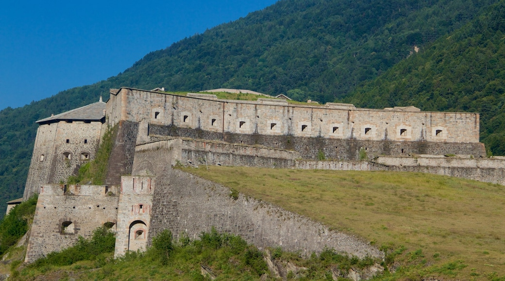 Italia caratteristiche di oggetti d\'epoca, castello e architettura d\'epoca