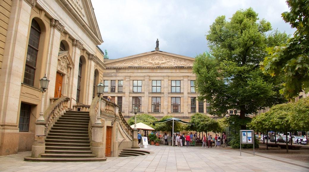 Gendarmenmarkt montrant patrimoine architectural, patrimoine historique et ville