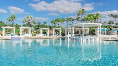 Atlantis Bahamas Explore Paradise Island S Wondrous Resort Locations Expedia Com