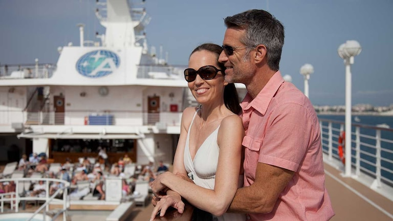 couple site viewing in a cruise