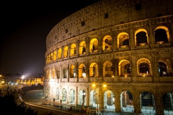 Evening Colosseum Tour with Underground & Arena Floor Access