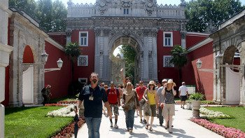 Dolmabahce Palace & 2 Continents Tour
