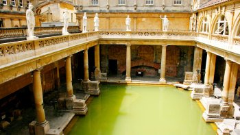 Bath & Stonehenge Full-Day Tour