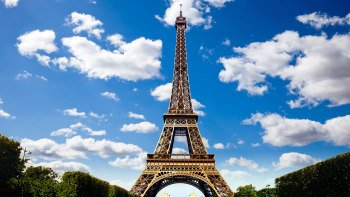Paris Day Trip via Eurostar with Open-Top Bus Tour