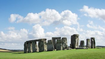 Windsor, Bath & Stonehenge Tour with Roman Baths & Lunch