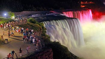 Canadian Illumination Tour of the Falls