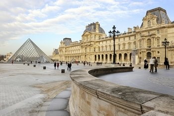 Skip-the-Line: Louvre Museum Half-Day Tour