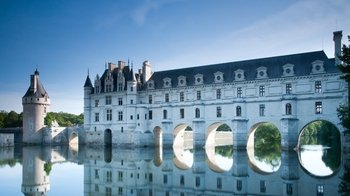 Loire Valley Castles & Wine Tasting Full-Day Trip