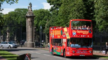 Edinburgh Hop-On Hop-Off Bus Tour