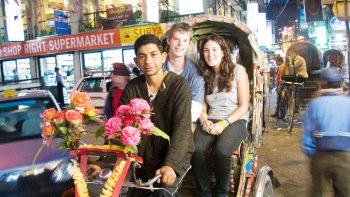 Small-Group Rickshaw Night Explorer Tour