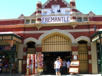City & Fremantle Day Tour with River Cruise