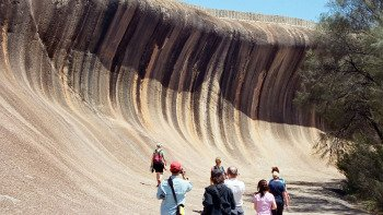 Wave Rock Day Tour from Perth