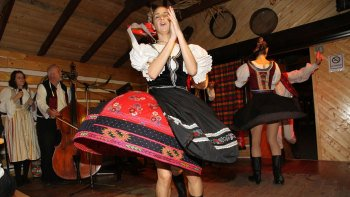 Folklore Show & Dinner with Transportation