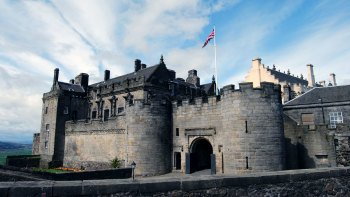 Loch Lomond, Trossachs National Park & Stirling Castle Full-Day Tour