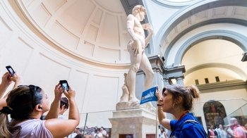 Florence in 1 Day Combo Saver: Walking Tour with Accademia, Uffizi & Duomo