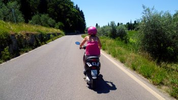 Vespa Tour of Tuscany