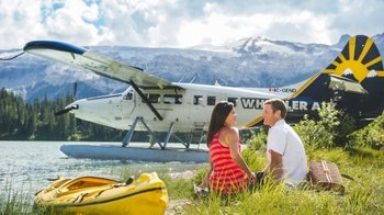 Whistler Alpine Lake Picnic & Tour by Floatplane