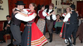 3-Course Dinner & Hungarian Folklore Show
