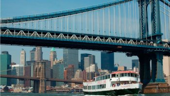 Circle Line Sightseeing: Best of New York City or Landmark Sightseeing Crui...