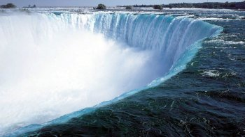 Niagara Falls Guided Day Tour by Air & Land from New York City