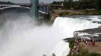 Overnight Excursion to Niagara Falls with Shopping