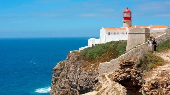 Best of West: Silves Castle, Foia, Lagos & Sagres Day Tour