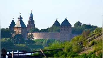 Novgorod Day Trip with Lunch