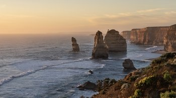Small Group Great Ocean Road & 12 Apostles Sunset Tour