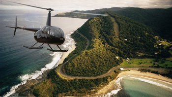 Private Luxury Great Ocean Road Heli Flight with Landing for 3