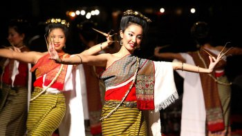 Thai Khantoke Dinner & Cultural Dance Show with Transfers