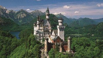 Royal Castles Full-Day Tour - Neuschwanstein & Linderhof Palace