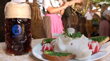 Bavarian Food Tasting at Viktualienmarkt with Brunch