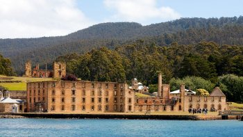 Grand Port Arthur Walking Tour with The Isle of the Dead Cruise from Hobart