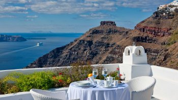 Santorini Island Full-Day Tour from Crete