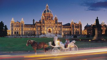 Royal Horse-Drawn Carriage Tour