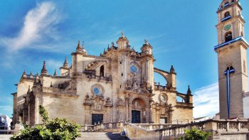 Jerez & Cadiz Full-Day Tour from Seville