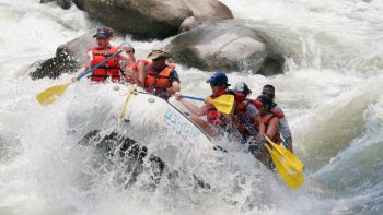 Yaque del Norte Whitewater Rafting Tour with Breakfast & Lunch