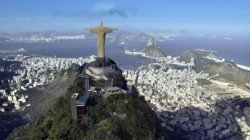 Christ the Redeemer by Train, Sugarloaf Mountain & Downtown with Lunch