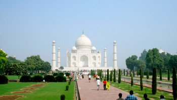 Private Half-Day Tour of Taj Mahal & Agra Fort
