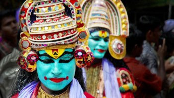 Kathakali Dance Show with Private Transfers