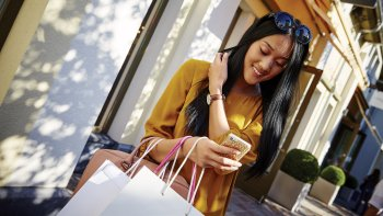 Bicester Village Shopping Collection™ Erlebnis im Wertheim Village