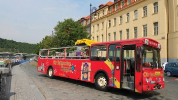 Hop-On Hop-Off Bus Tour with Optional Attractions