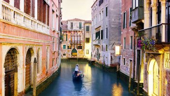 Venice in 1 Day & St. Mark's Basilica by High-Speed Train from Rome