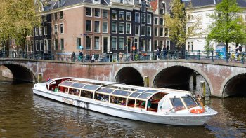 Canal Cruise with Audio Guide