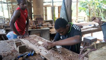 Handmade Zanzibar Small-Group Tour with Lunch