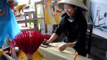 Private Handicraft Villages Tour, Cruise & Lunch