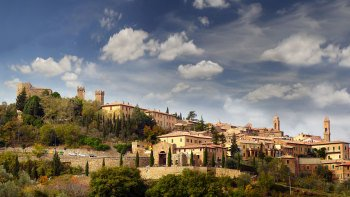 Brunello Wine Tasting Full-Day Tour with Lunch from Siena