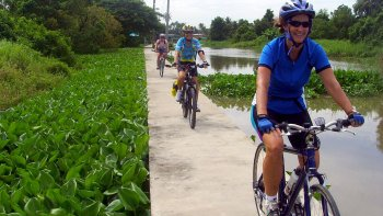 Private Full-Day Koh Kret Cycling Tour